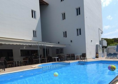 Pool bar (2)